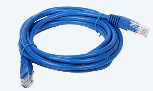 Collega i tuoi dispositivi con i nostri cavi di rete