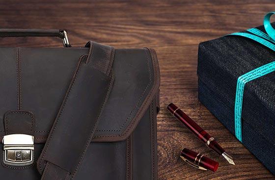 Borse da lavoro, penne luxury, idee regalo Buffetti Rimini